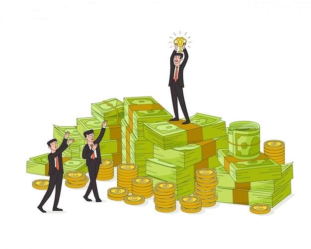 お金の山の上に立って優勝カップを持ったビジネスマン