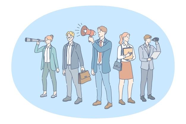 Бизнесмены и деловые женщины, стоящие и смотрящие в подзорную трубу, объявляют
