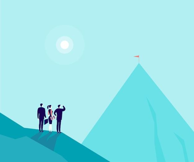 기업인, 산 그림에 서서 새로운 정상에서 보는 여자. 성장, 새로운 목표 및 목표, 팀워크 및 파트너십