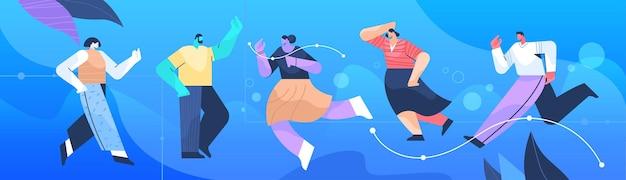 Группа бизнесменов в разных позах мужские и женские персонажи мультфильмов полная длина горизонтальные векторные иллюстрации