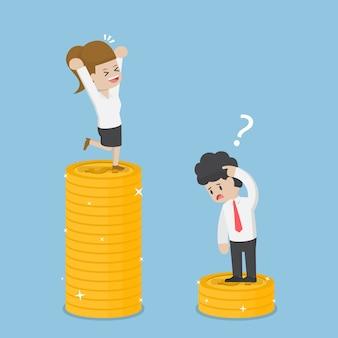У деловой женщины денег больше, чем у бизнесмена