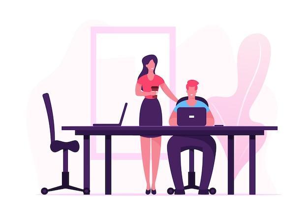 손에 커피 컵 사업가 사무실에서 노트북에서 일하는 책상에 앉아 남자 근처 서. 만화 평면 그림