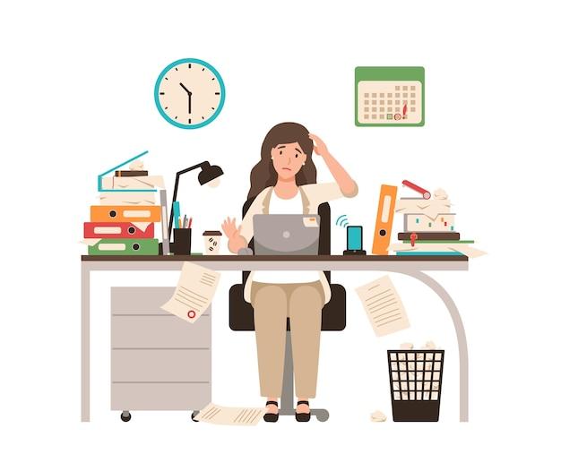 바쁜 여성 회사원 또는 사무원이 책상에 앉아 완전히 문서로 덮여 있습니다. 마감일 전날 초과 근무 노트북에서 일하는 여자. 플랫 만화 스타일의 다채로운 그림입니다.