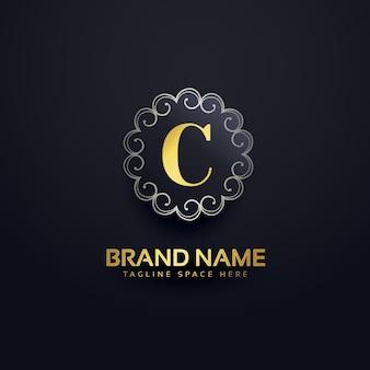 Буква c логотип с завитками украшения