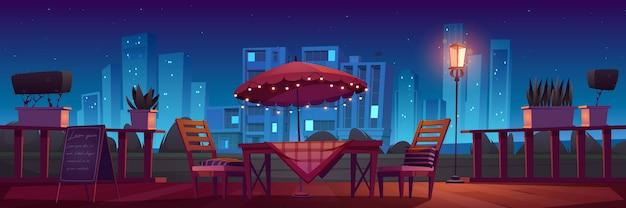 夜のカフェやレストランのテラス
