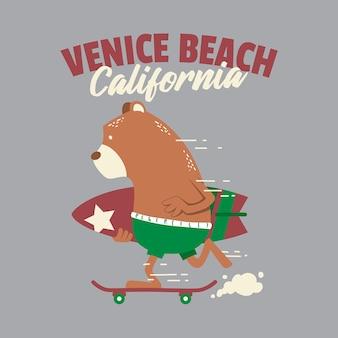 Калифорнийский пляж венеции с серфингом в виде медведя гризли