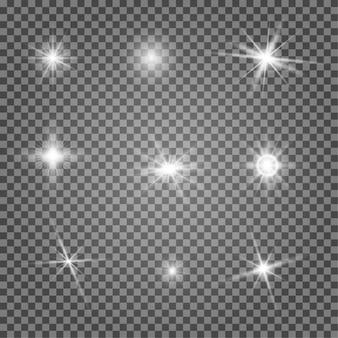 카메라 라이트. 별 반짝임 벡터 광선, 스파클 하이라이트. 투명 한 배경에 고립 된 손전등 악센트입니다. 반짝이 효과, 밝은 크리스마스 반짝이. 재미있는 마법 폭발 팩