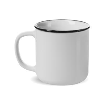 キャンプマグ。白いエナメルキャンプカップモックアップ分離テンプレート。カストン彫刻用のコーヒードリンク缶。ハンドル付きレトロ茶碗、リアルなエナメル製品