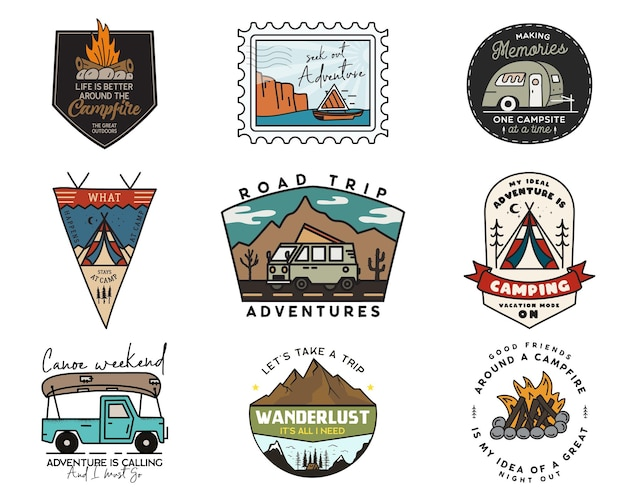 캠핑 모험 배지 로고 세트, 빈티지 여행 엠블럼. 손으로 그린 스티커 디자인 번들. 하이킹 도로 여행, rv, 카누 레이블. 야외 캠핑카 휘장. 로고 타입 컬렉션. 스톡 벡터입니다.