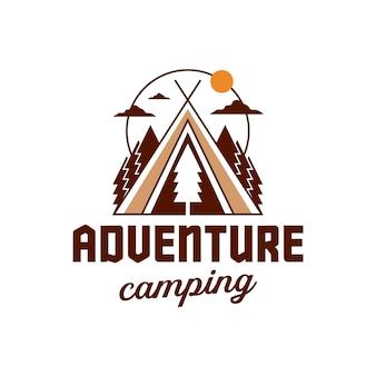 白で隔離のキャンプの冒険のロゴのテンプレート