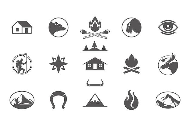 Кемпинг и элементы дизайна приключений на открытом воздухе и значки набор векторных иллюстраций. горы, дикие животные и прочее. подходит для футболок, кружек, поздравительных открыток, значков и плакатов.