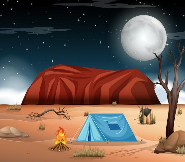 Кемпинг на пустынной сцене