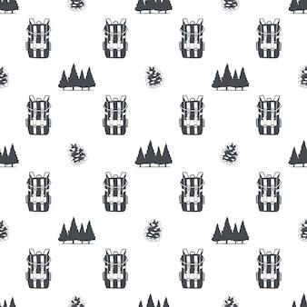 배낭, 나무, 솔방울 기호가 있는 캠핑 패턴입니다. 모험 원활한 벽지. 스톡 벡터 흰색 배경에 고립입니다. 흑백 디자인.
