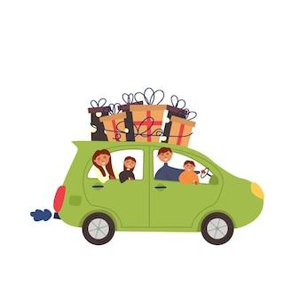Автомобиль с семьей с подарками на крыше