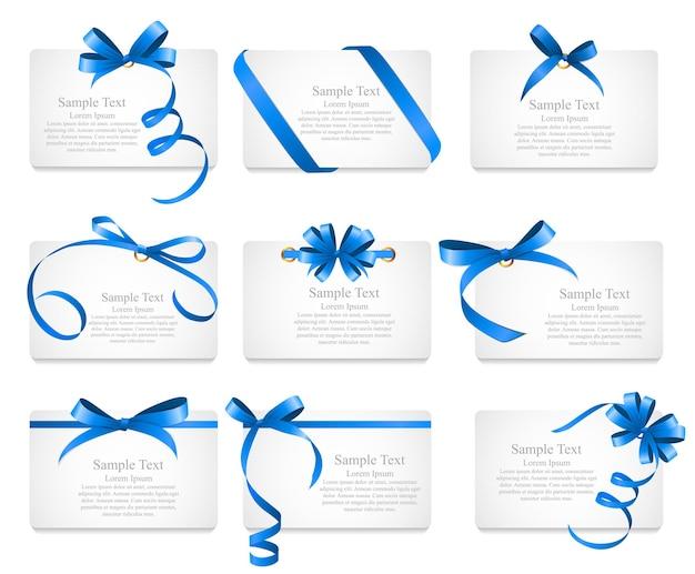 Карточка с голубой лентой и бантом. векторная иллюстрация eps10