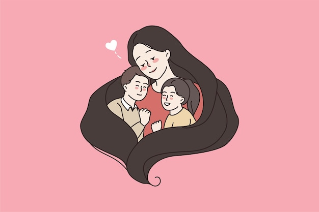 Заботливая мама обнимает двух маленьких детей, показывая любовь