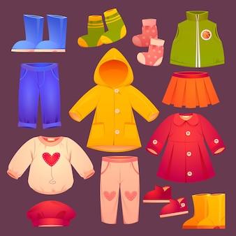 Collezione di abbigliamento per bambini autunno e inverno di cartoni animati Vettore gratuito