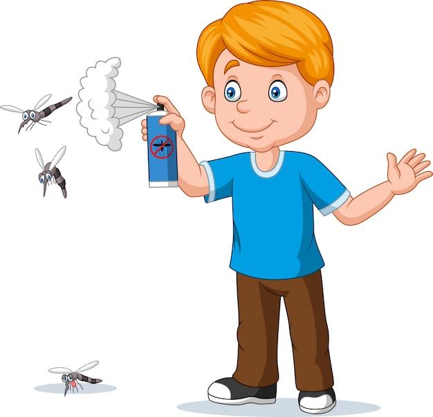 모기에 곤충 살인자를 살포하는 만화 소년