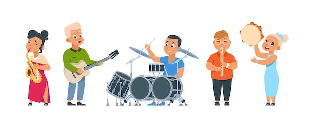 Мультяшный детский оркестр. милый детский оркестр со счастливыми детьми, играющими на музыкальных инструментах на вечеринке или в классе. векторная иллюстрация улыбается группа детей, исполняющих музыку