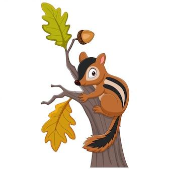 Мультяшный бурундук, взбирающийся на дерево