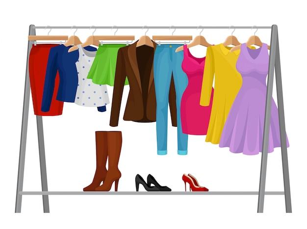 Мультфильм красочные одежды на вешалках. концепция моды