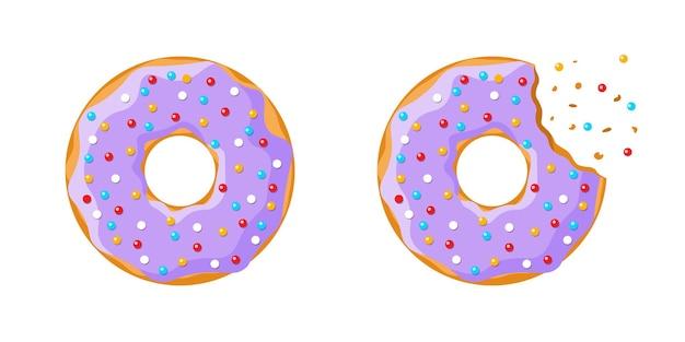 漫画のカラフルなおいしいドーナツ全体と白い背景で隔離のかまれたセット。ケーキカフェの装飾やベーカリーメニューのデザインのための紫色の艶をかけられたドーナツの上面図。ベクトルフラットepsイラスト