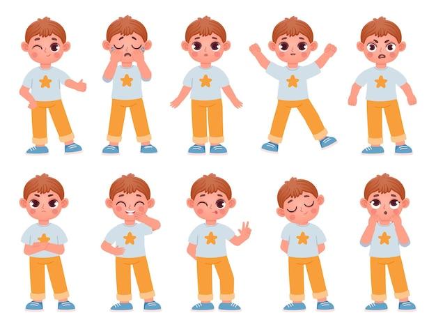 Мультяшный милый ребенок мальчик характер выражения и эмоции. маленький ребенок смеется, улыбается, плачет и удивляется. злой, грустный, счастливый мальчик позы векторный набор. мальчик эмоции счастливы и смеяться, лицевые выразительные иллюстрации