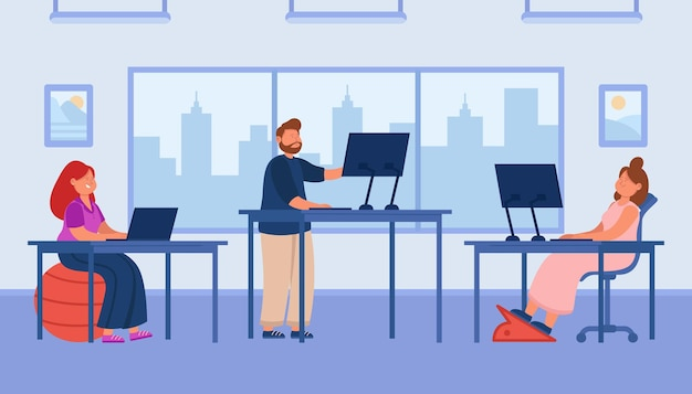Impiegati dei cartoni animati che lavorano al computer nello spazio aperto dell'ufficio