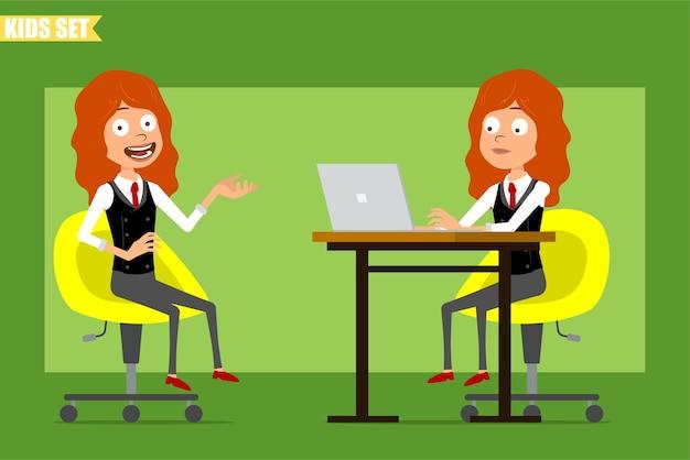 빨간 넥타이와 비즈니스 정장에 평면 재미있는 작은 빨간 머리 소녀 캐릭터 만화. 아이 포즈, 노트북에서 작업 및 의자에 휴식. 애니메이션 준비. 녹색 배경에 고립. 세트.