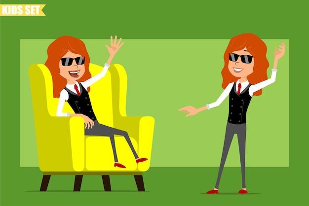 빨간 넥타이와 비즈니스 정장에 평면 재미있는 작은 빨간 머리 소녀 캐릭터 만화. 부드러운 의자에 쉬고 안녕하세요 제스처를 보여주는 아이. 애니메이션 준비. 녹색 배경에 고립. 세트.