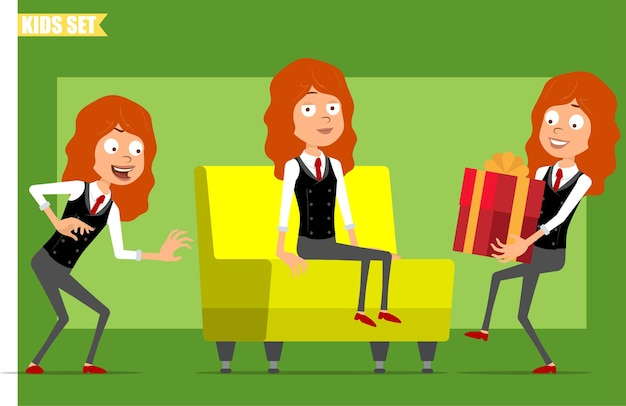 빨간 넥타이와 비즈니스 정장에 평면 재미있는 작은 빨간 머리 소녀 캐릭터 만화. 몰래, 소파에 쉬고 크리스마스 선물을 들고 아이. 애니메이션 준비. 녹색 배경에 고립. 세트.