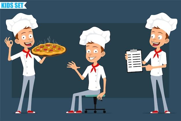 白い制服とパン屋の帽子の漫画フラット小さなシェフ料理の男の子のキャラクター。サラミとキノコと一緒にイタリアンピザを運んで休んでいる子供。