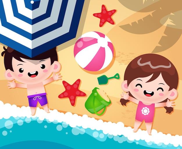 해변 모래에 만화 행복 귀여운 소년과 소녀