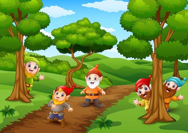 Мультфильм счастливый карлик в лесу