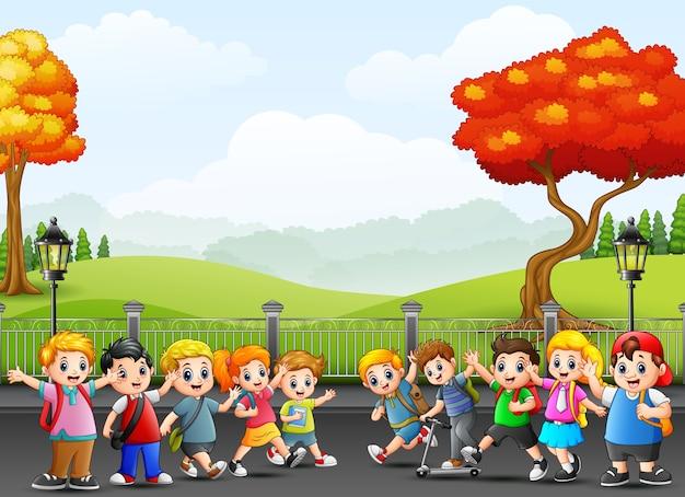 길거리에서 만화 행복 학교 어린이
