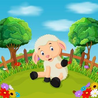 漫画の幸せな羊の笑顔の農場で