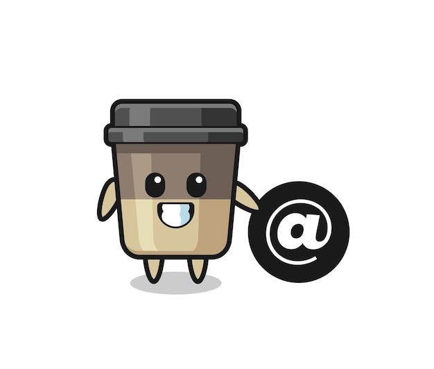 At 기호 옆에 서 있는 커피 컵의 만화 그림, 티셔츠, 스티커, 로고 요소를 위한 귀여운 스타일 디자인