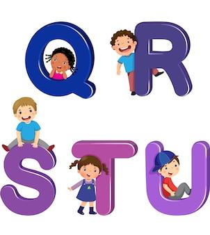 Qrst 문자가있는 만화 아이