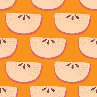 リンゴのスライスと漫画のシームレスなフルーツパターン。オレンジ色の背景に果物を落書き。