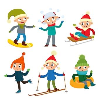 Мультфильм мальчиков-подростков в зимней одежде, векторные иллюстрации шаржа, изолированные на белом фоне. портрет подростков в полный рост, веселые зимние занятия, досуг на свежем воздухе