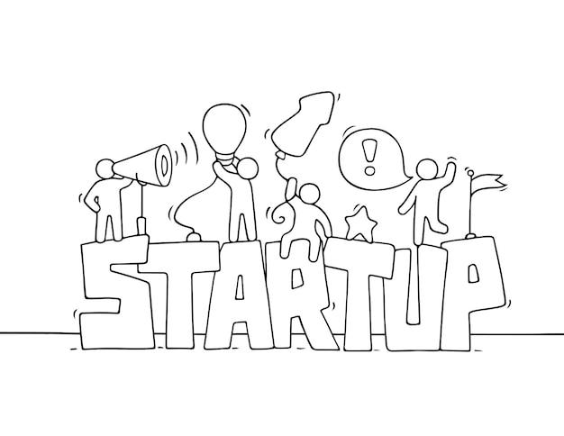 창의성에 대한 근로자의 startup doodle 미니어처 장면으로 작은 사람들을 작업하는 만화