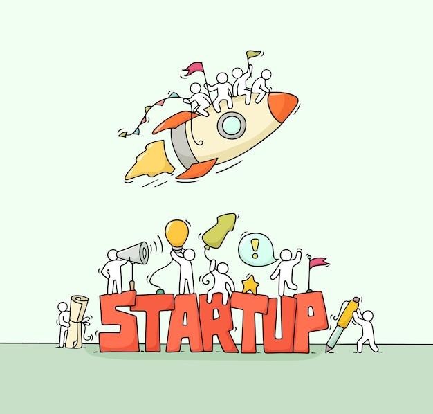 Мультфильм рабочих маленьких людей со словом startup. каракули миниатюрная сцена рабочих с ракетой