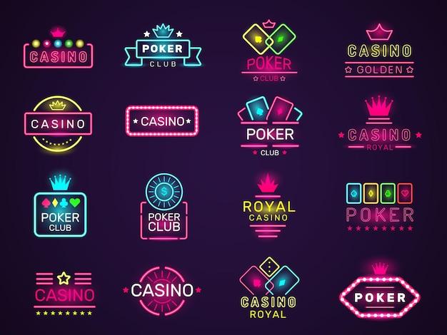 カジノネオンバッジ。ポーカークラブゲームロゴカラー照明ベガススタイルセット。カジノクラブポーカー、ライトネオンギャンブル看板イラスト