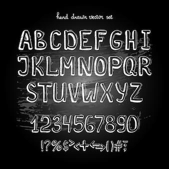 Vettore di lavagna disegno a mano alfabeto, lettere bianche sulla lavagna