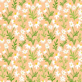 カモミールとデイジーのシームレスなパターン。ライトベージュの背景に手描きの花とワイルドフラワープリントデザイン。パッケージング、ファブリックデザインのためのシンプルなフィールドの花柄。花のハーブの飾り。