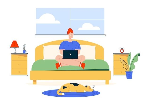 Иллюстрация характера работы дома. женщина удаленного работника, работающая на ноутбуке на кровати в своей спальне. интерьер домашнего офиса, домашнее животное собаки, удобное рабочее место. гибкий рабочий график фрилансера