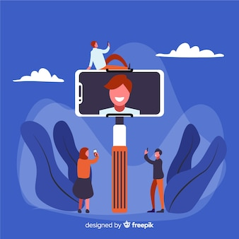 Персонажи делятся селфи в социальных сетях