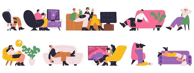 자고, 일하고, 쉬고, 편안한 소파에서 tv를 보는 캐릭터. 소파 벡터 삽화 세트를 읽고 시간을 보내는 사람들. 편안한 소파에서 휴식을 취하는 여성과 남성. 컴퓨터에서 보는 캐릭터
