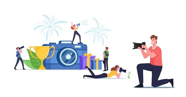 Персонажи принимают участие в фотоконкурсе, концепция фотоконкурса. турнир профессионалов или любителей. маленькие фотографы снимают на камеру огромную чашу. мультфильм люди векторные иллюстрации