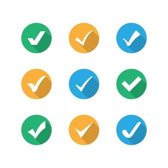 3色に設定された各種ボタンアイコンにチェックマークを付けます。ベクター。 eps 10